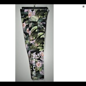 Bebe Sport Leggings w/Pockets-Tropical Green-L
